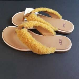 UGG ALICIA SHEARLING LEATHER FLIP FLOP